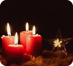 Kaarsen branden en dat maakt hen strikt genomen giftig.