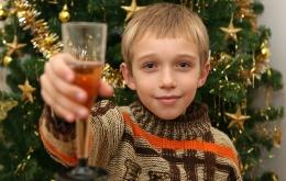 Laat jonge kinderen nooit proeven van alcoholische dranken, ook niet bij feestjes of andere gelegenheden.