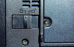 Batterijhouder met veiligheid.