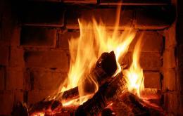 CO ontstaan bij onvolledige verbranding van o.a. hout.