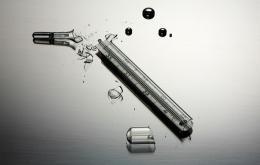 Als een kwikthermometer breekt, moet de kwik zo snel mogelijk opgekuist worden.