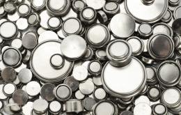 Knoopbatterijen kunnen vergiftigingen veroorzaken.