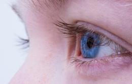Vooral bij kinderen is het risico op spatten in de ogen het grootst.