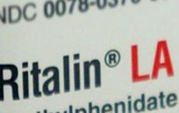 Bij een overdosis van methylfenidaat of een interactie met andere geneesmiddelen kunnen er al snel gevaarlijke symptomen optreden.